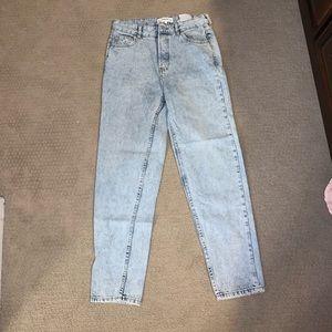 White washed boyfriend jeans